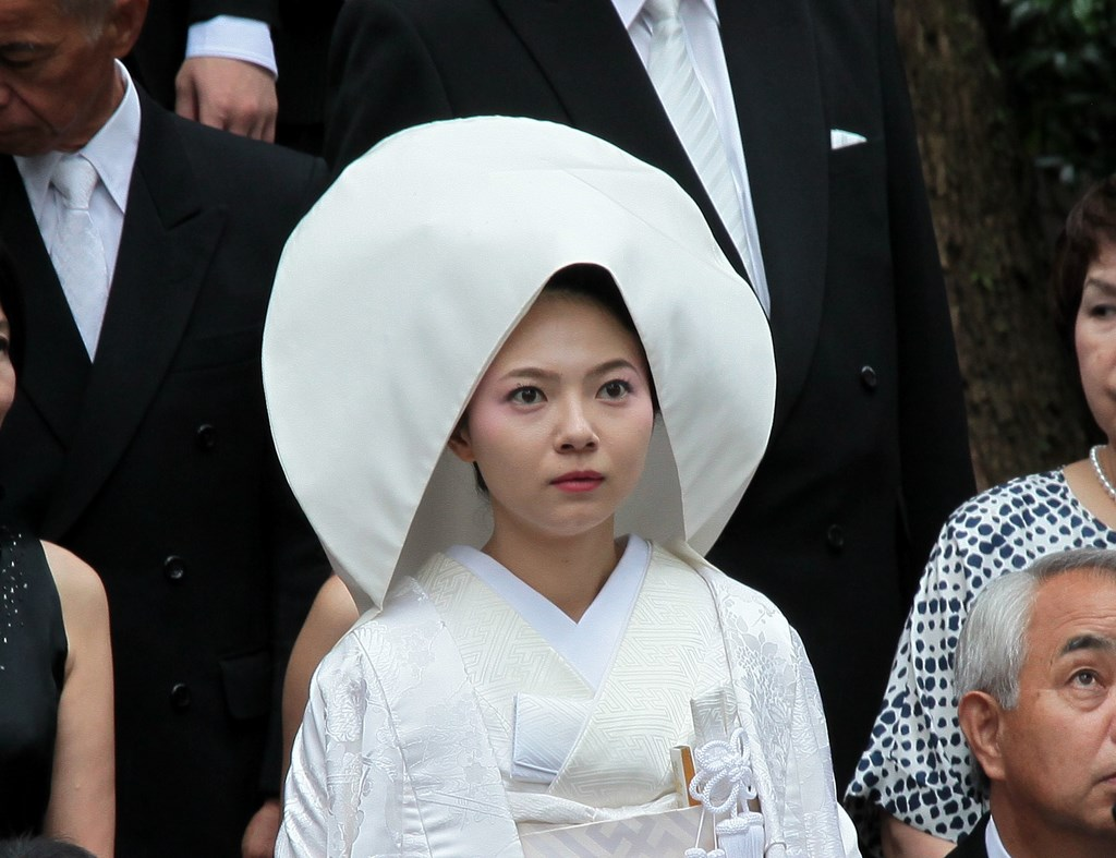 Mariage traditionnel Japonais robe blanche Tokyo Japon 神前結婚